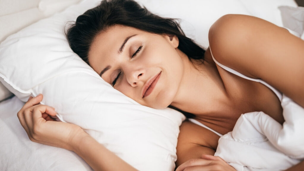 How to Sleep with Middle Back Pain